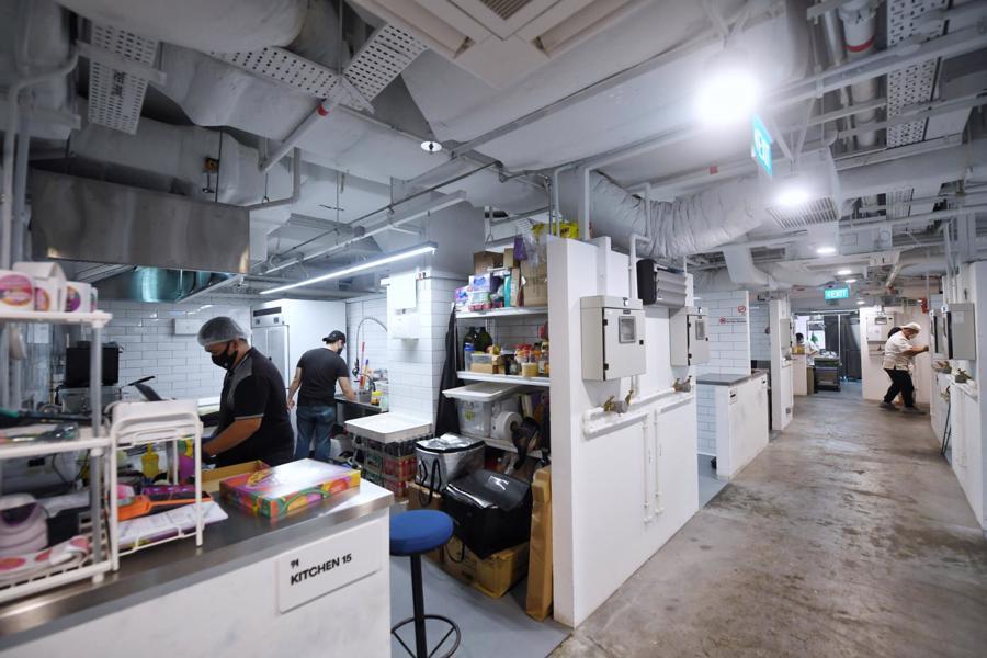 Các gian bếp chung này đóng vai trò như một địa điểm tập hợp các doanh nghiệp kinh doanh dịch vụ F&B.