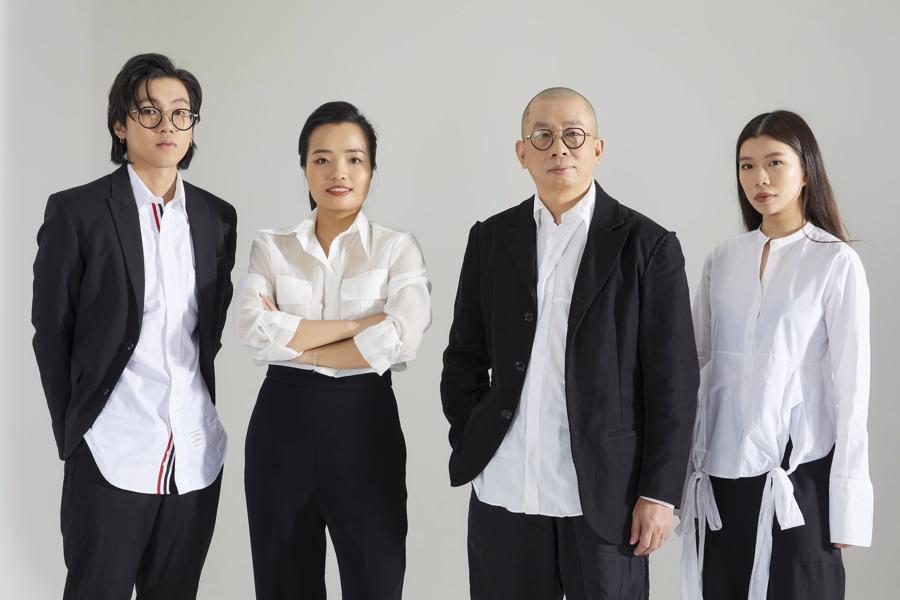Chủ tịch HĐQT Nguyễn Vũ Anh đã định hướng cho thế hệ F2 trong gia đình học tập bài bản trong ngành thời trang quốc tế từ rất sớm.