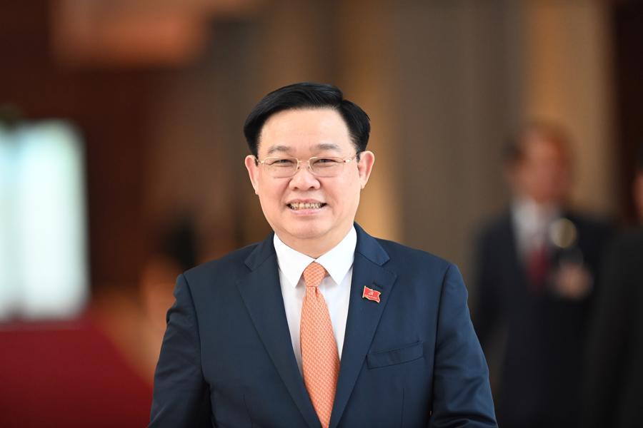 Ông Vương Đình Huệ - Ủy viên Bộ Chính trị, Chủ tịch Quốc hội khóa XIV,Chủ tịch Hội đồng Bầu cử quốc gia, được đề cử để Quốc hội bầu giữ chức Chủ tịch Quốc hội khóa XV.