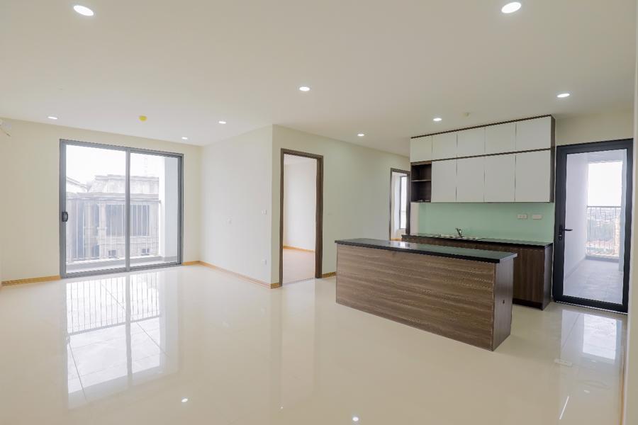 Căn hộ Rose Town bàn giao hệ thống nội thất chất lượng cao như trần thạch cao, sàn gạch ceramic, hệ thống cửa, tủ bếp, thiết bị vệ sinh…