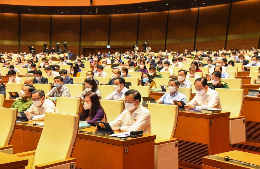 Các đại biểu Quốc hội tham dự phiên họp tại hội trường Diên Hồng sáng 22/7 - Ảnh: Quochoi.vn