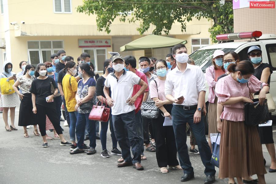 Bí thư Thành ủy Hà Nội chỉ đạo tạm dừng điểm tiêm vaccine Covid-19 tại Bệnh viện E - Ảnh 4