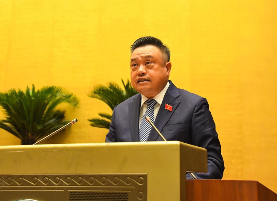 Tổng Kiểm toán Nhà nước Trần Sỹ Thanh trình bày báo cáo - Ảnh: Quochoi.vn
