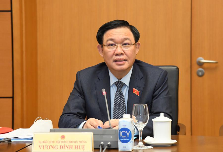 Chủ tịch Quốc hội Vương Đình Huệ phát biểu tại phiên thảo luận tổ - Ảnh: Quochoi.vn