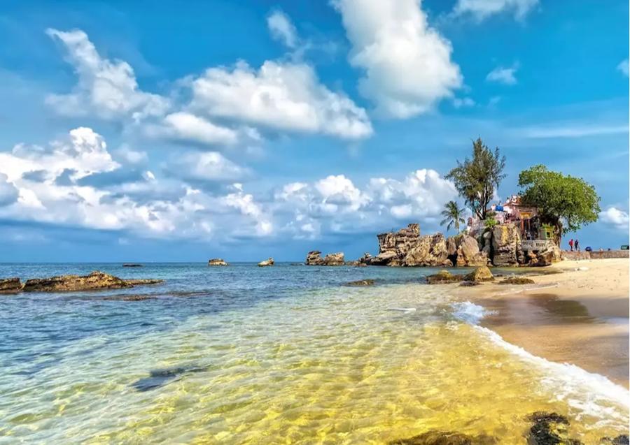 Đảo ngọc Phú Quốc là điểm đến được khách du lịch quốc tế quan tâm, khi dự thảo đưa Phú Quốc thành thí điểm đón khách quốc tế có thể bắt đầu từ tháng 10.