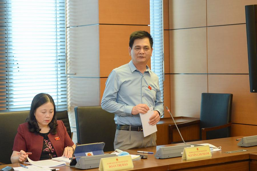 Các đại biểu thuộc đoàn đại biểu Quốc hội tỉnh Thái Nguyêntại phiên họp tổ chiều 23/7 - Ảnh: Quochoi.vn.