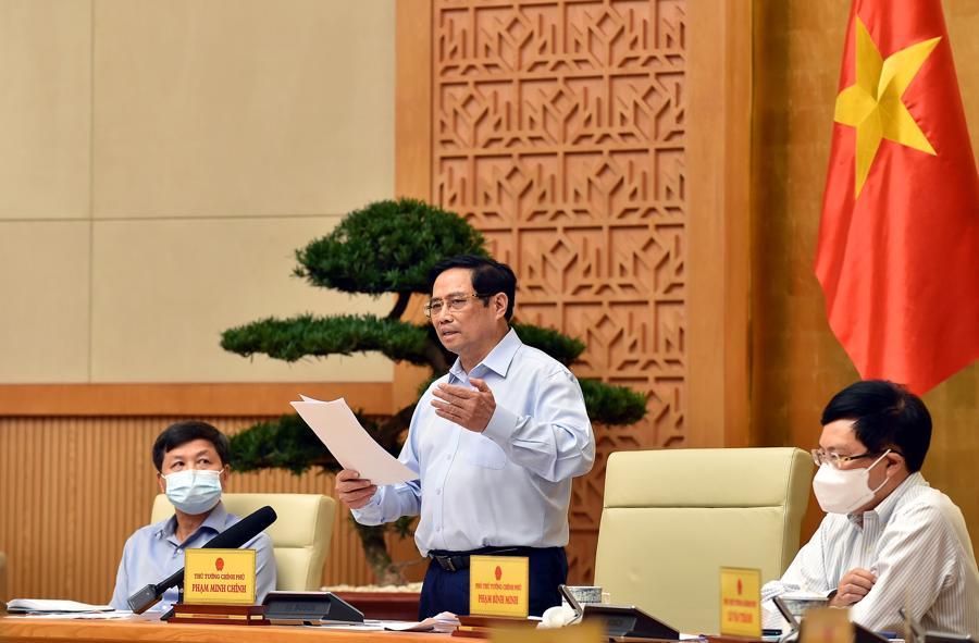 Thủ tướng cho rằngvẫn còn hiện tượng chủ quan, lơ là, mất cảnh giác ở một số nơi, cơ quan, đơn vị; một bộ phận người dân chưa thực hiện nghiêm yêu cầu giãn cách - Ảnh: VGP.