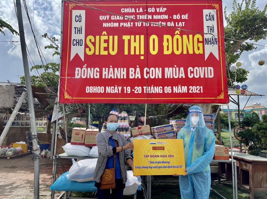 """Tập đoàn Hoa Sen nối dài """"San sẻ yêu thương - Chung tay cùng vượt qua đại dịch"""" - Ảnh 2"""