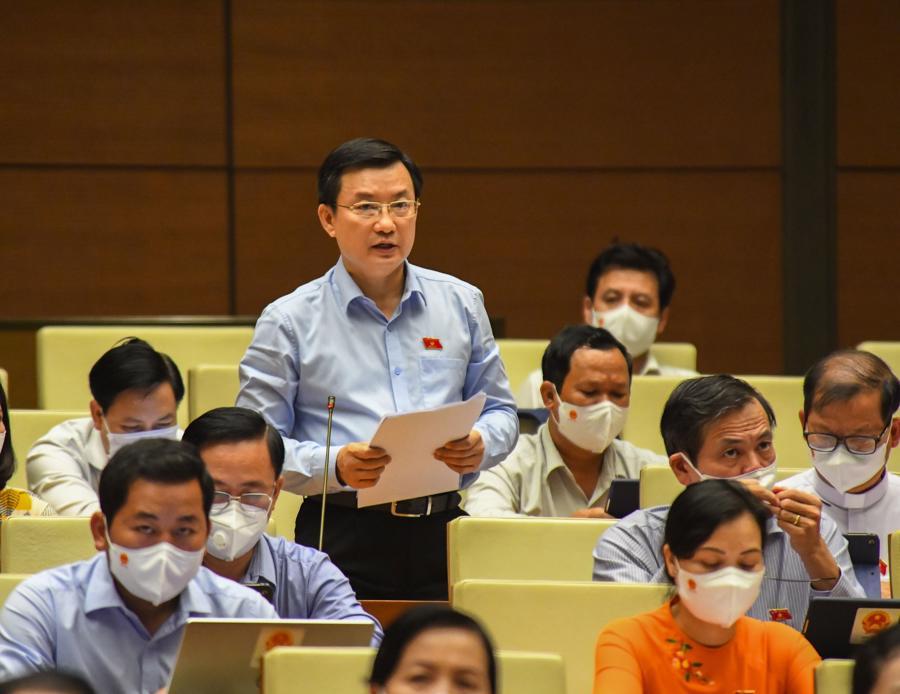 Đại biểu Phạm Trọng Nhân, đoàn Bình Dương, phát biểu tại phiên thảo luận - Ảnh: Quochoi.vn