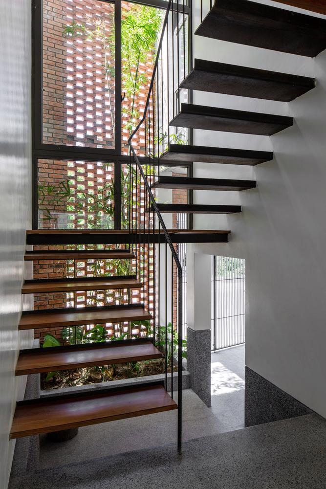 Ngôi nhà gạch Việt Nam được giới thiệu trên trang web kiến trúc hàng đầu thế giới - Ảnh 12