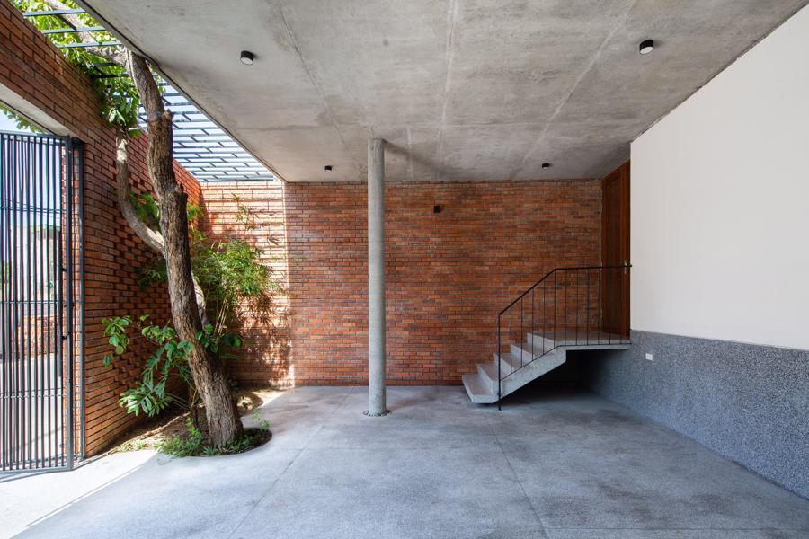 Ngôi nhà gạch Việt Nam được giới thiệu trên trang web kiến trúc hàng đầu thế giới - Ảnh 2