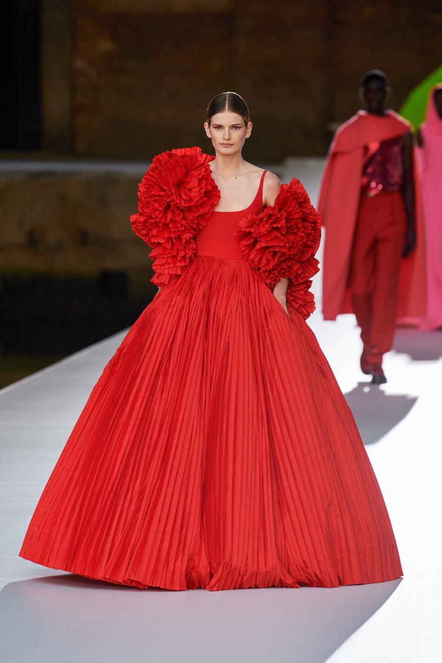 Valentino Couture Thu Đông 2021: cảm nhận những sắc màu - Ảnh 7