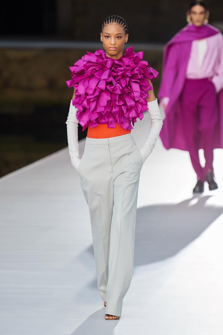 Valentino Couture Thu Đông 2021: cảm nhận những sắc màu - Ảnh 2