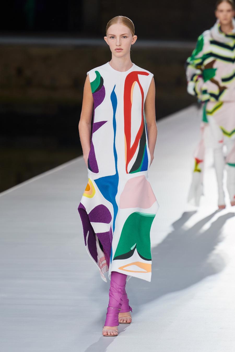 Valentino Couture Thu Đông 2021: cảm nhận những sắc màu - Ảnh 1