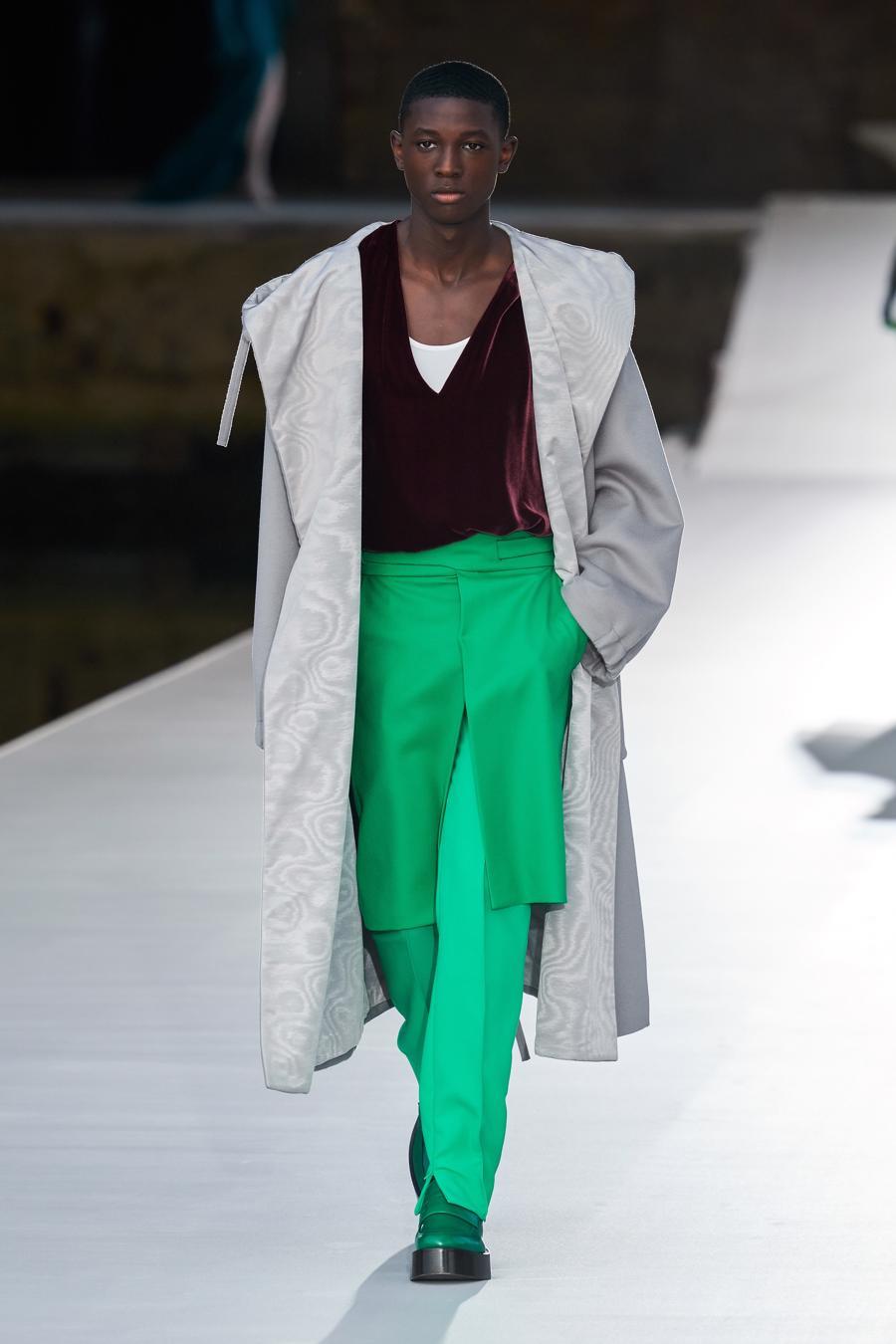 Valentino Couture Thu Đông 2021: cảm nhận những sắc màu - Ảnh 4