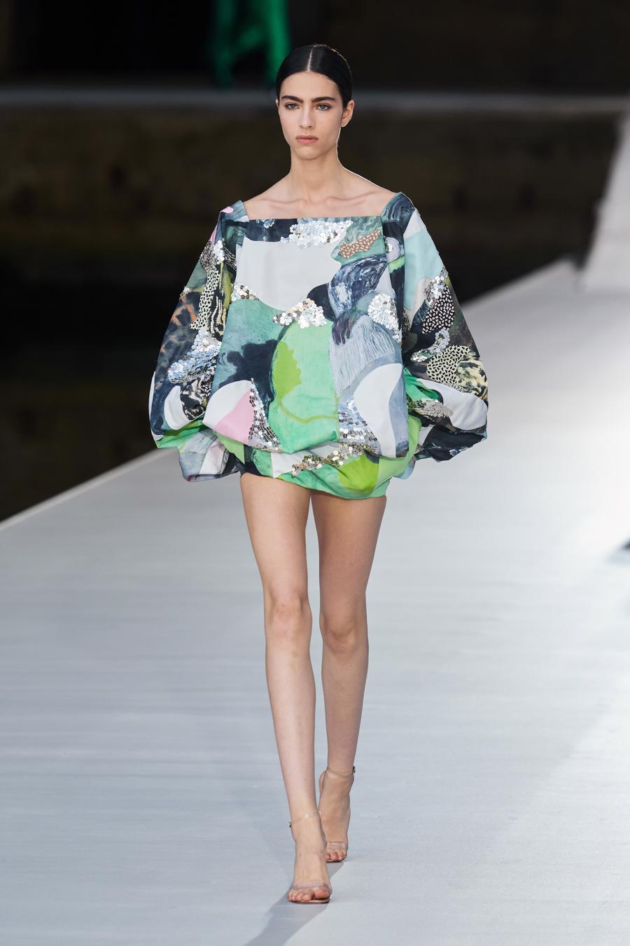 Valentino Couture Thu Đông 2021: cảm nhận những sắc màu - Ảnh 3