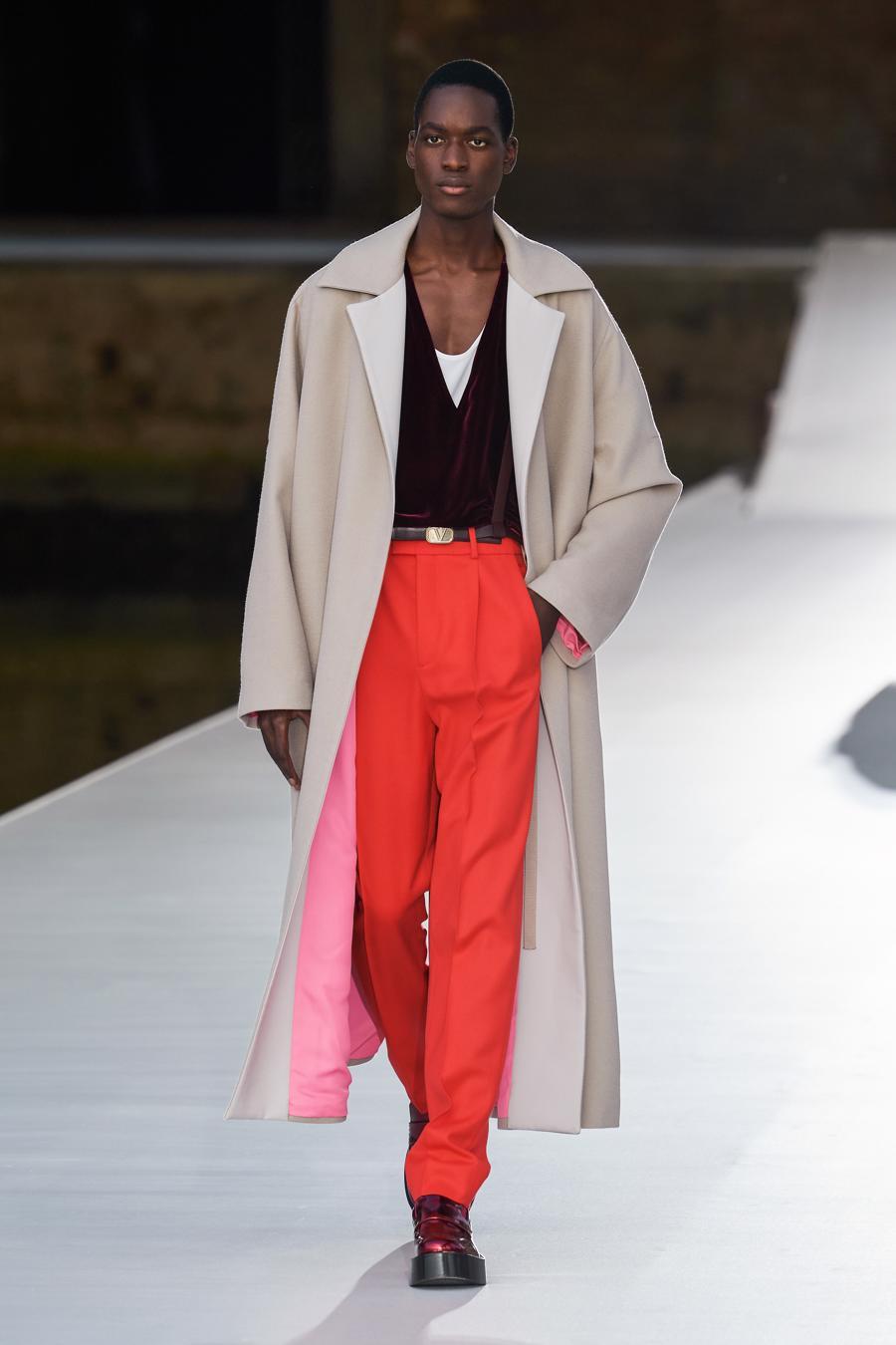 Valentino Couture Thu Đông 2021: cảm nhận những sắc màu - Ảnh 5