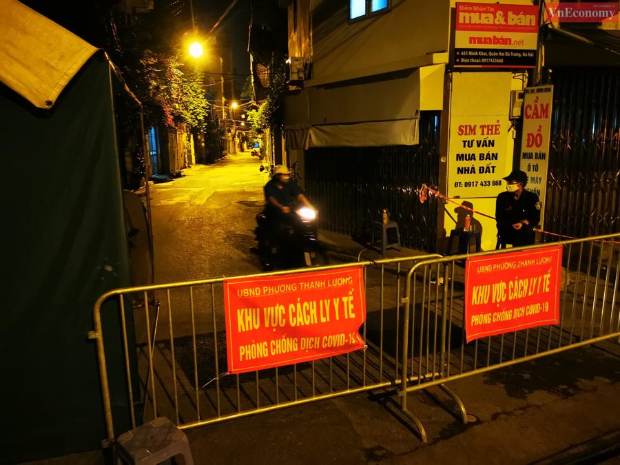 Hà Nội: Ngõ 651 Minh Khai thành khu vực cách ly y tế do phát hiện 20 ca nghi nhiễm - Ảnh 2