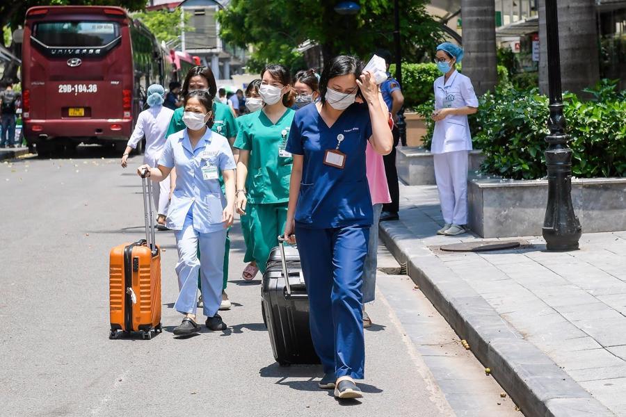 Đội quân áo trắng thiện chiến, tinh nhuệ trên đủ tất cả mọi chuyên khoa của Bệnh viện Bạch Mai sẽ tác chiến ngay khi đến TP.HCM.