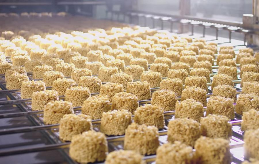Doanh nghiệp sản xuất mỳ gói, đồ khô… gặp khó vì thiếu nguyên liệu - Ảnh 1