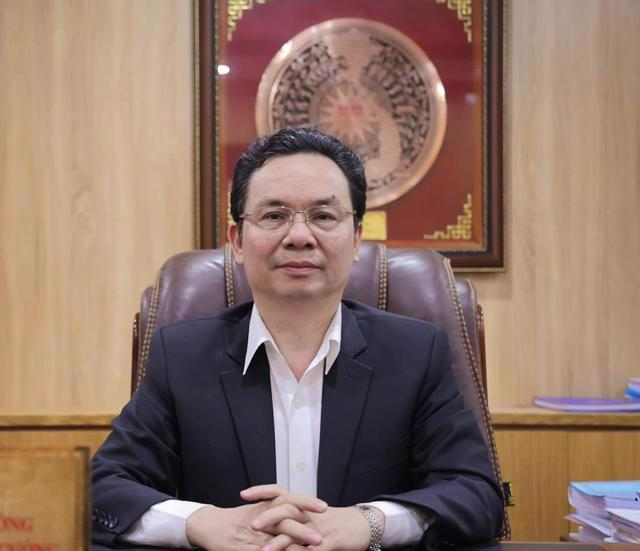 GS.TS. Hoàng Văn Cường, Đại biểu Quốc hội, Phó Hiệu trưởng Trường Đại học Kinh tế Quốc dân.