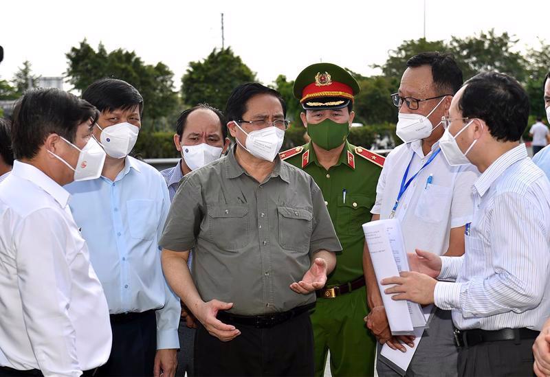 Chống dịch có nơi chưa nghiêm, Thủ tướng chỉ đạo tăng cường các biện pháp mạnh - Ảnh 1