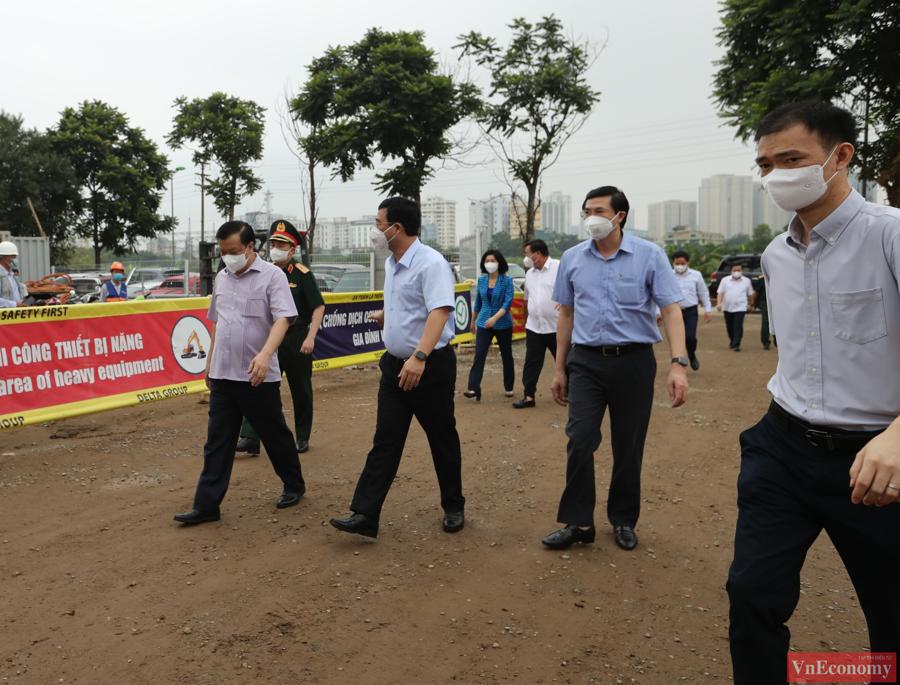 Thăm công trường xây dựng Bệnh viện dã chiến 500 giường của Hà Nội - Ảnh 1
