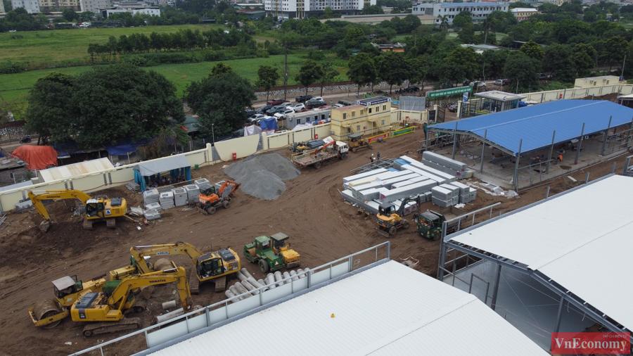 Thăm công trường xây dựng Bệnh viện dã chiến 500 giường của Hà Nội - Ảnh 4