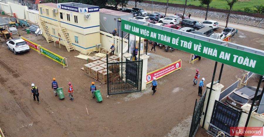 Bệnh viện dã chiến quy mô lớn này bắt đầu xây dựng từ ngày 24/7với quy mô từ 500 – 700 giường bệnh.