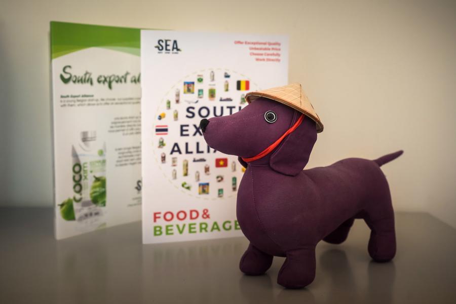 SEA hiện là nhà phân phối độc quyền nước dừa Cocoxim cho toàn bộ các nhà hàng châu Á và một số siêu thị ở Bỉ.