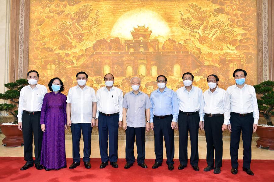 Các đồng chí lãnh đạo Đảng, Nhà nước, Quốc hội, Chính phủ dự phiên họp - Ảnh: VGP/Nhật Bắc
