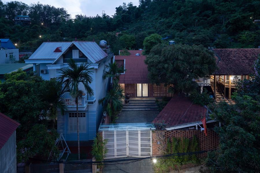 Ngôi nhà gạch độc đáo tại Sơn La được lên tạp chí nước ngoài - Ảnh 2