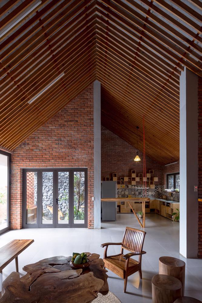 Ngôi nhà gạch độc đáo tại Sơn La được lên tạp chí nước ngoài - Ảnh 7