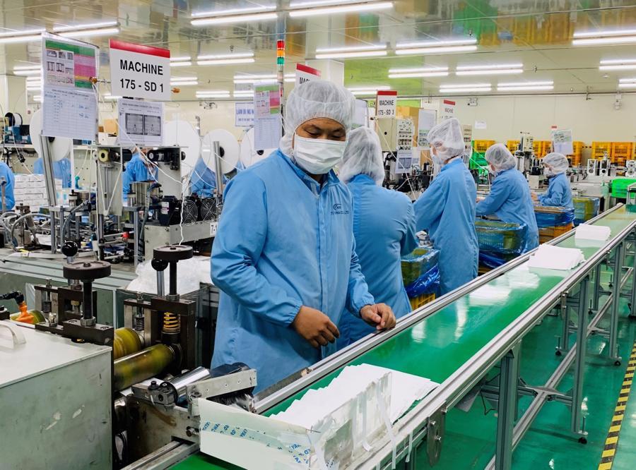 """Đểtổ chức sản xuất, đảm bảo nhà trọ phải """"xanh"""", công nhân phải """"xanh"""", nhà máy phải """"xanh"""", không đủ 03 yếu tố này yêu cầu ngừng sản xuất."""