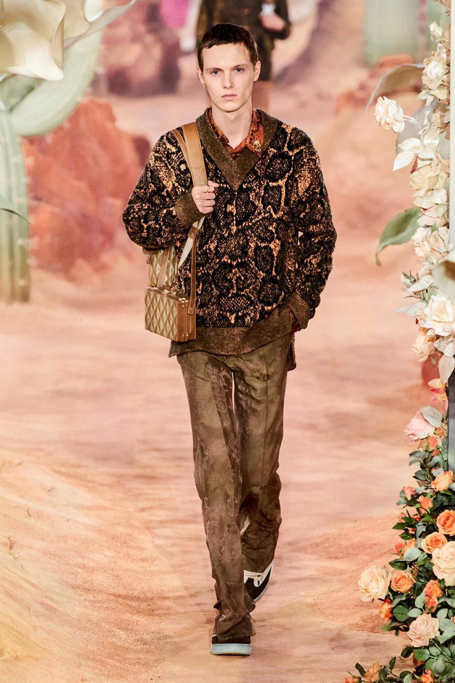 Dior Menswear Xuân Hè 2022: Những anh chàng hip hop lịch lãm - Ảnh 10