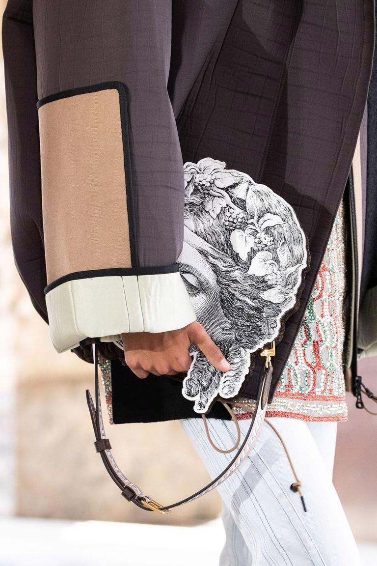 Những mẫu túi kỳ lạ của Louis Vuitton: thảm họa hay gây sốt? - Ảnh 9