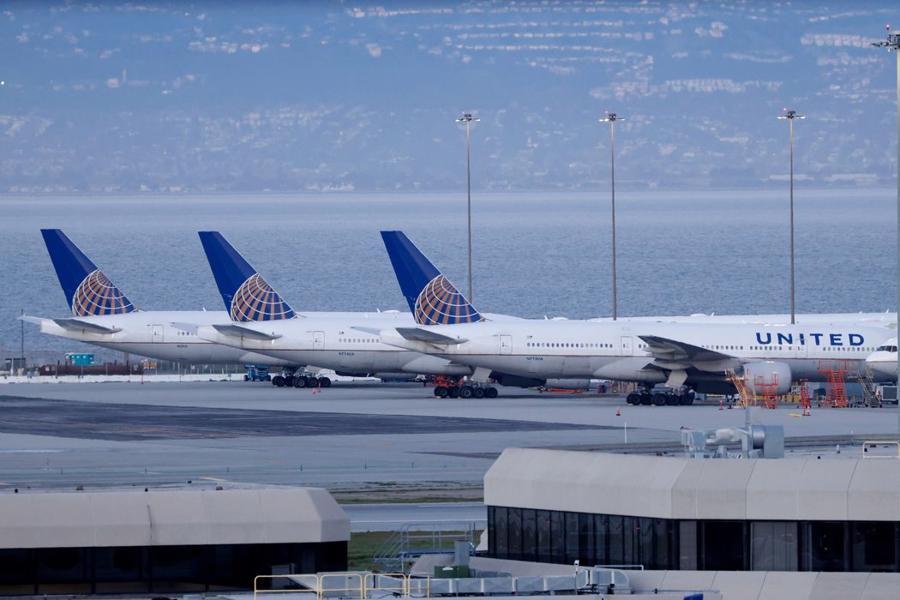 Tới cuối quý 2/2021, United Airlines Holdings nắm giữ 23 tỷ USD tiền mặt, gấp hơn 4 lần so với cùng kỳ năm 2019 - Ảnh: Shutterstock