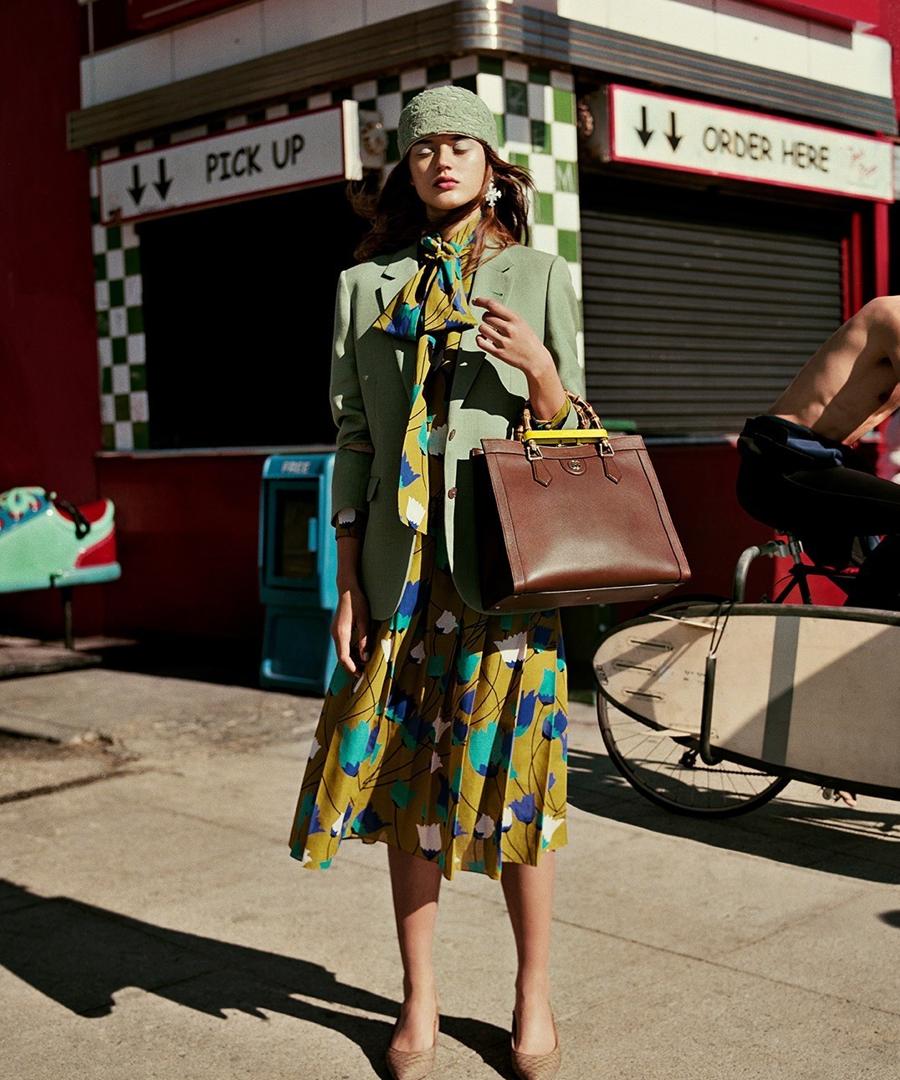 Gucci Diana Bag: chiếc túi tái sinh gây sốt làng thời trang - Ảnh 2