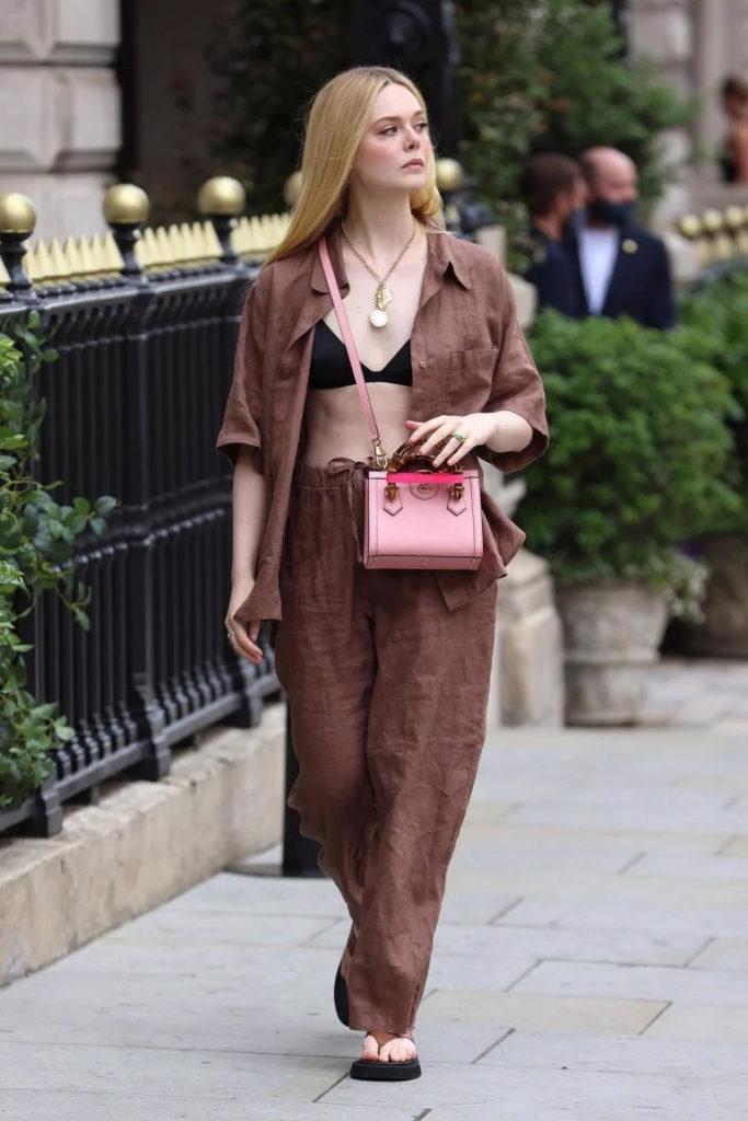 Gucci Diana Bag: chiếc túi tái sinh gây sốt làng thời trang - Ảnh 5