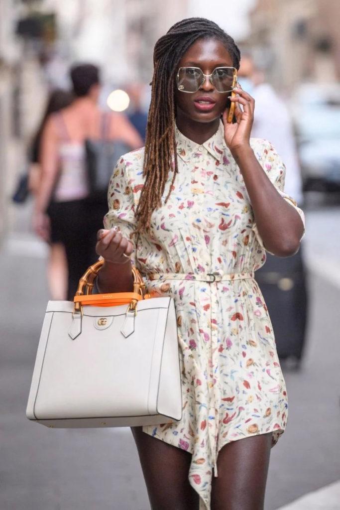 Gucci Diana Bag: chiếc túi tái sinh gây sốt làng thời trang - Ảnh 4