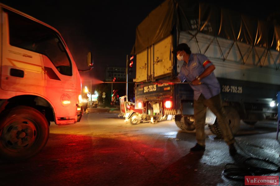 Chợ đầu mối phía Nam Hà Nội thận trọng trong ngày đầu mở cửa trở lại - Ảnh 7