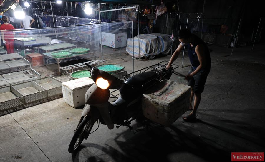 Chợ đầu mối phía Nam Hà Nội thận trọng trong ngày đầu mở cửa trở lại - Ảnh 5