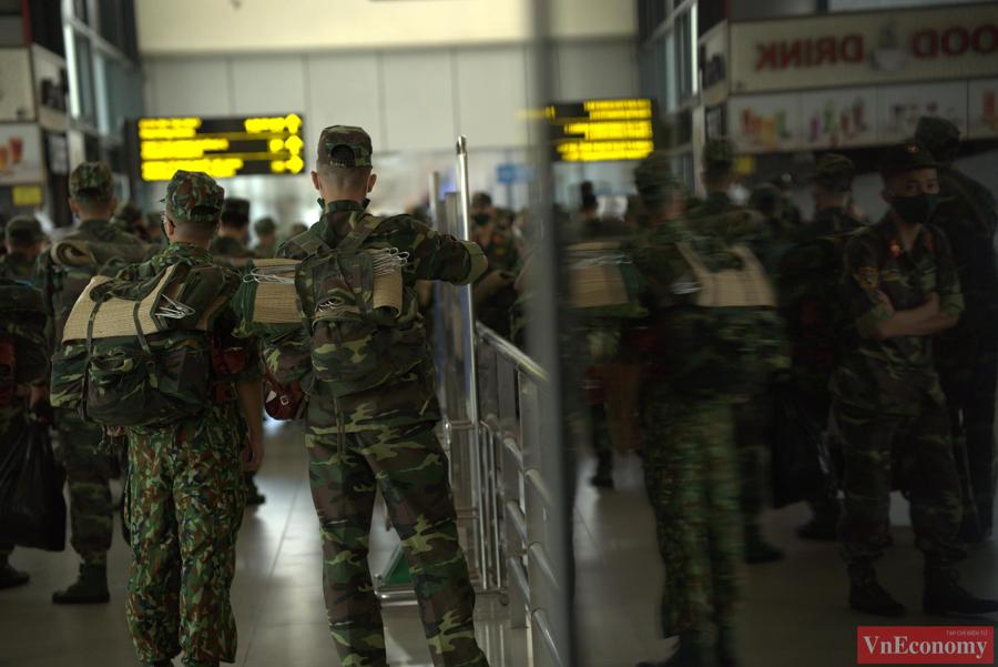 Sau 60 tổ quân y của Học viện Quân yxuất quân, trong tuần tới tiếp tục có thêm hơn 100 tổ quân y khác chi viện cho TP.HCM và các tỉnh, thành phía Nam.