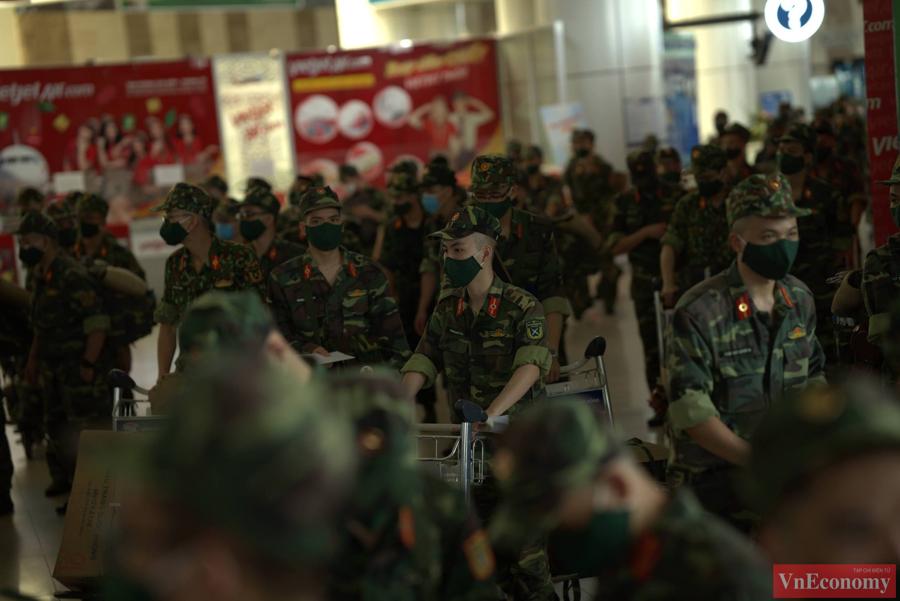 Đoàn quân y hối hả lên đường chi viện miền Nam chống dịch - Ảnh 3