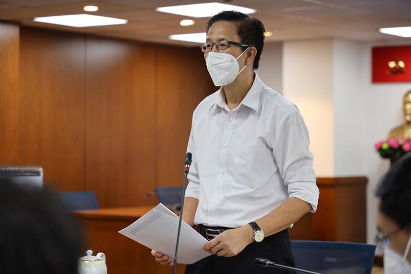 Phó Ban chỉ đạo phòng, chống dịch Covid-19 TP.HCM Phạm Đức Hải thông tin tại cuộc họp.