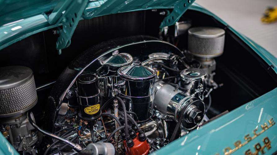"""Vẻ đẹp """"nín thở"""" của chiếc xe cổ Porsche 356 Speedster 1955 mới được phục chế - Ảnh 5"""