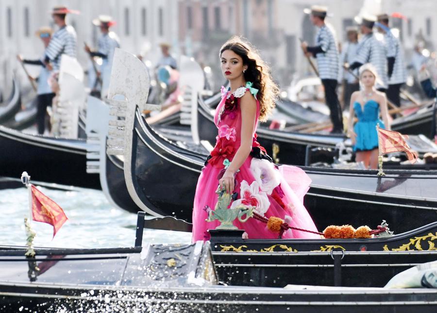 Mặc dù Venice có lịch sử 1.600 năm, nhưng có vẻ như thành phố chưa bao giờ nhìn thấy một cảnh tượng như thế này.