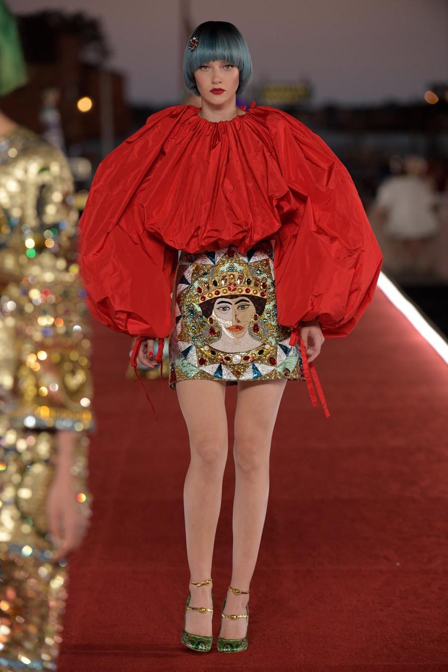 Show diễn Alta Moda của Dolce & Gabbana: Mưa đá và cầu vồng - Ảnh 7