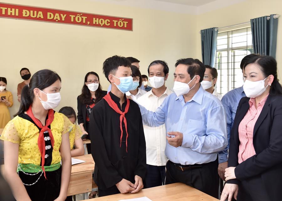 Chùm ảnh Thủ tướng thăm và làm việc tại Thái Nguyên - Ảnh 9