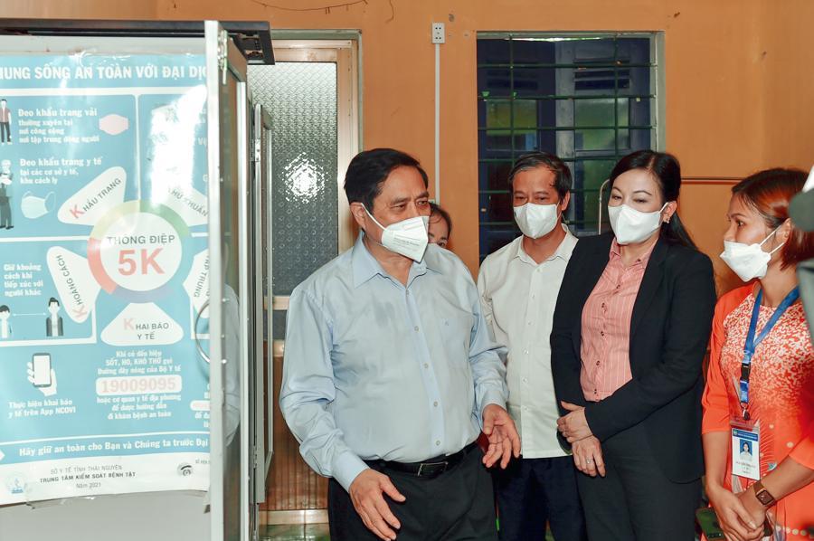 Chùm ảnh Thủ tướng thăm và làm việc tại Thái Nguyên - Ảnh 7